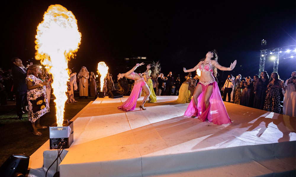 Sparkling Special Effects: Scream Entertainment & Events