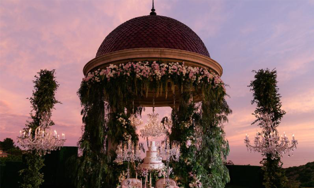 This 'Exquisite' Enchanted Forest Wedding <br>Is Giving Us All The Fairytale Feels!