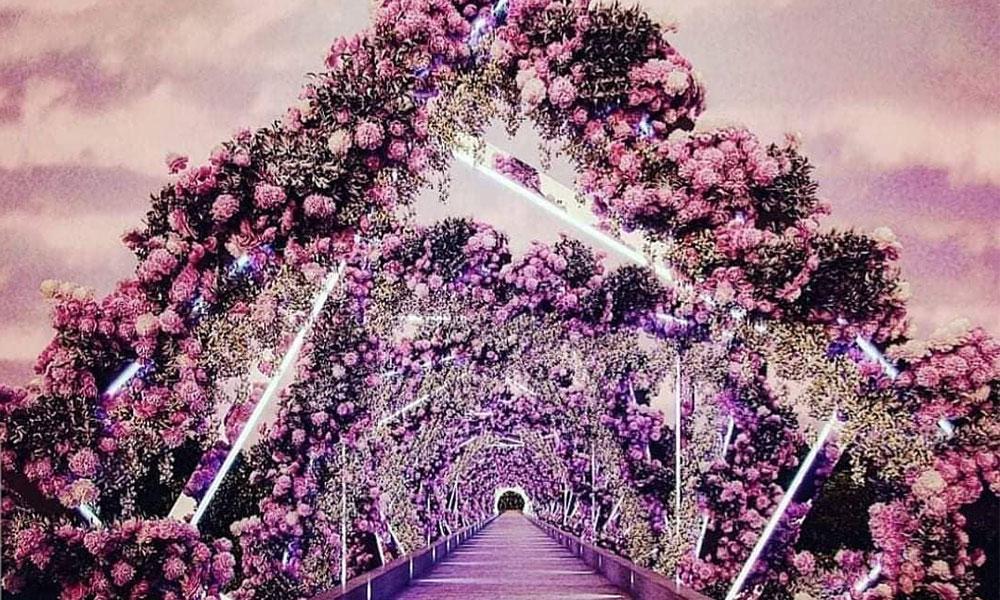 Exquisite Floral-Inspired Decor