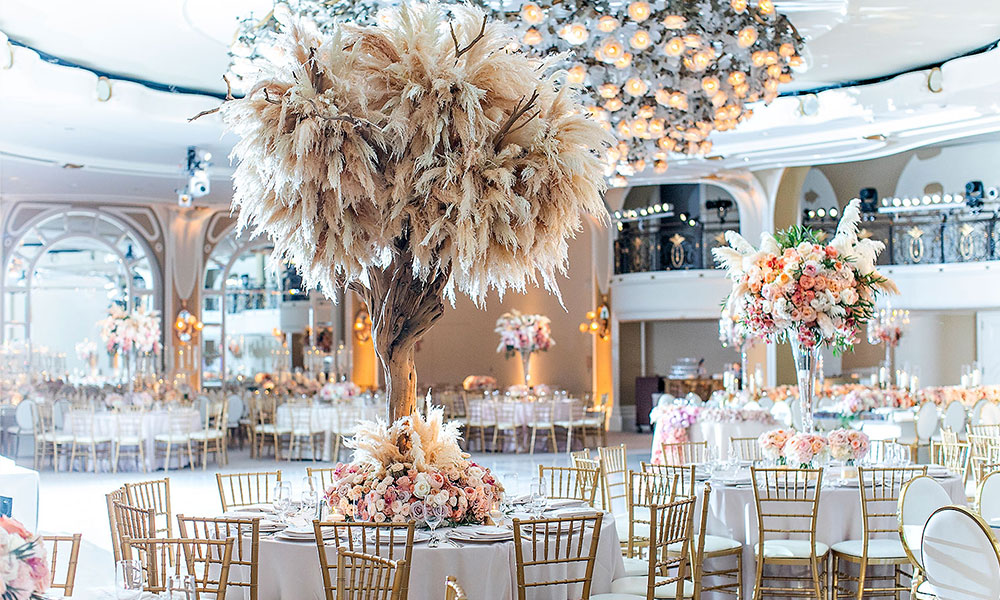 Eye-Catching Centerpieces Ideas For A Stunning Impact!